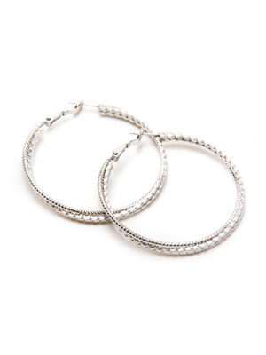 A wardrobe essential that's far from basic. The stylish Hilda Hoops will complement any outfit. Crafted in a white gold finish.