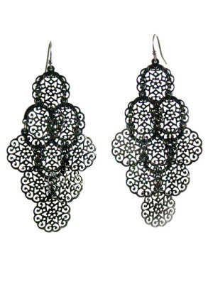 Alma & Co. Eva filigrine black earrings