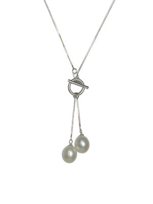 Alma & Co. Chelsea Necklace. .925 Silver and freshwater pearl necklace with toggle clasp in front. 18