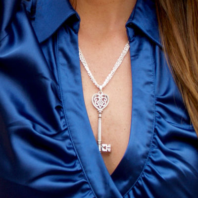 alma and co jewelry key necklace