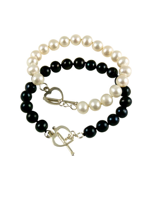 alma and co soiree freshwater pearls bracelet with heart toggle clasp