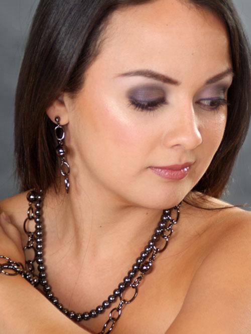 alma and co black chunky links earrings